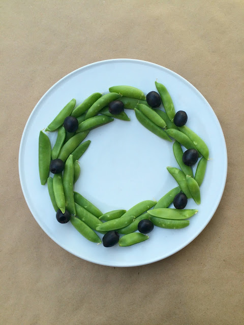 Snap Pea and Olive Wreath - Festive Veggie Display for Christmas | www.jacolynmurphy.com