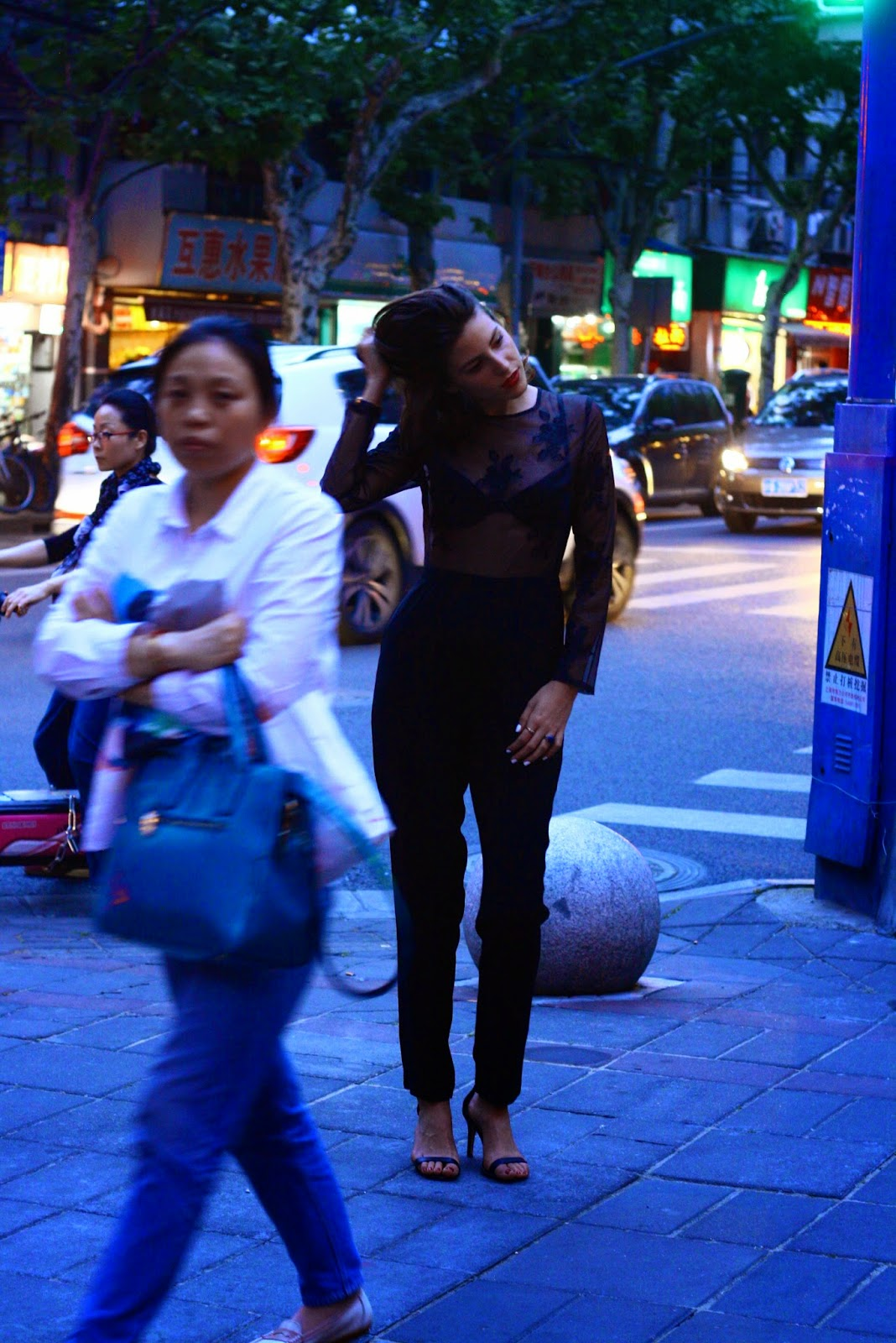 Shanghai nightlife fashion blogger