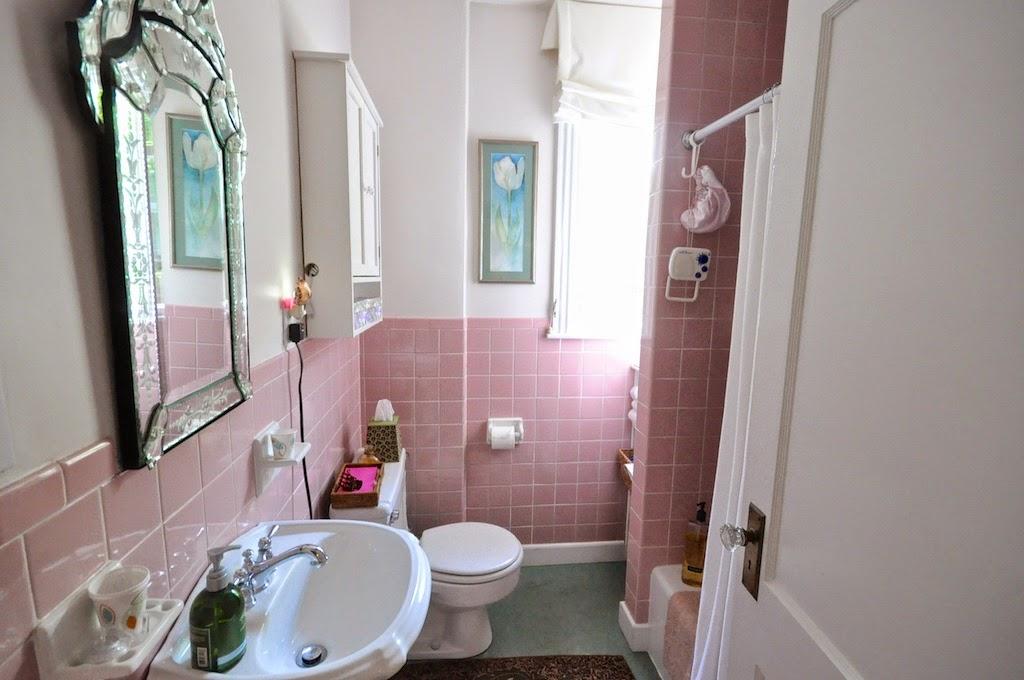 Sopo Cottage Mamie Eisenhower Pink Bathroom Elegance