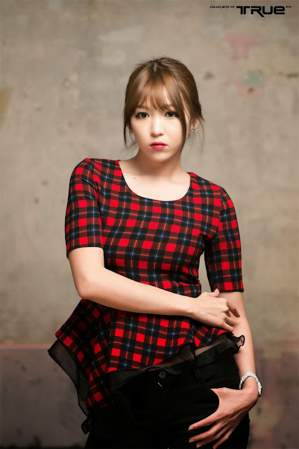 5 Lee Eun Hye in red - very cute asian girl-girlcute4u.blogspot.com