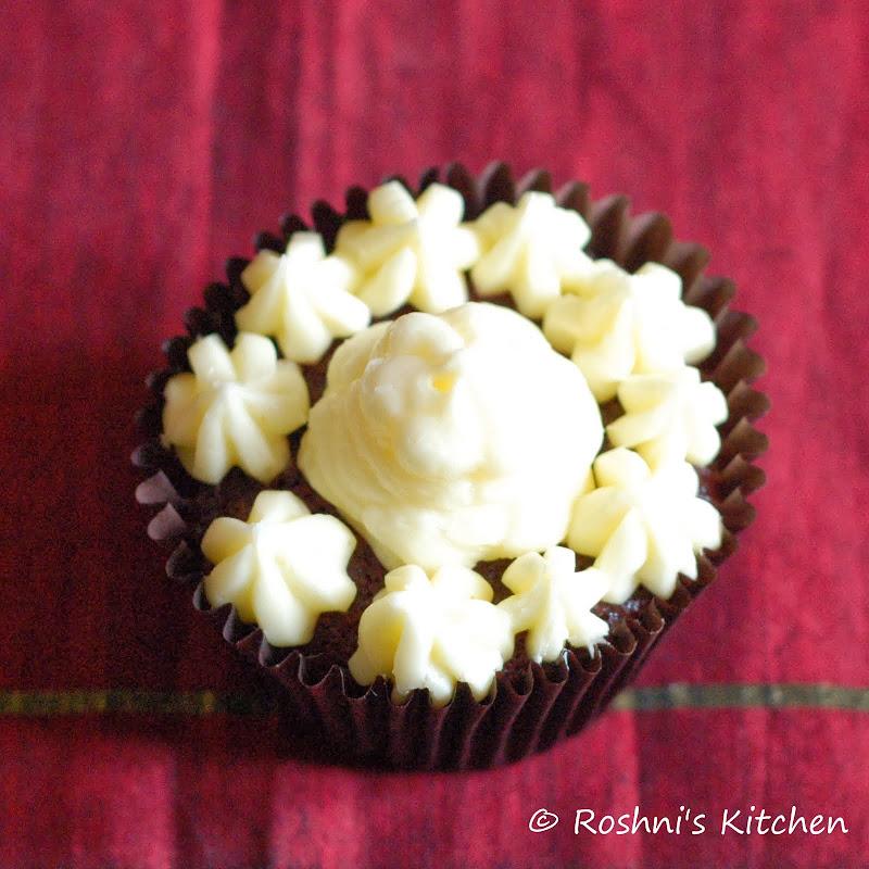 Cake Images With Name Roshni : Roshni s Kitchen: Vegan Naturally Coloured Red Velvet ...