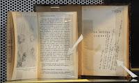 'La divina comedia', de Dante Alighieri, con comentarios de Borges exhibida en la Biblioteca Nacional de Buenos Aires. AFP/Archivo, Juan Mabromata