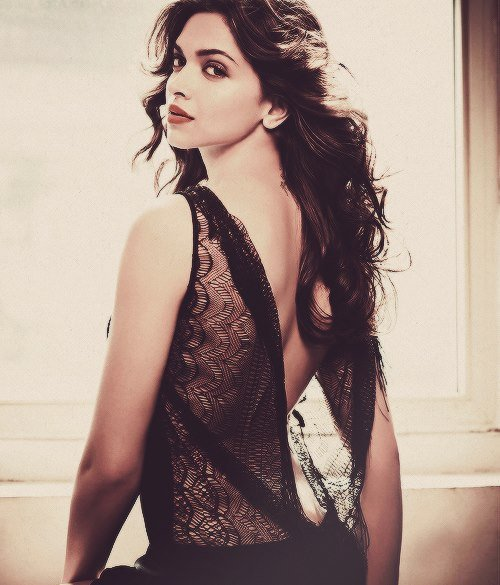 HD Wallpapers: Download Hot HD Photos of Deepika Padukone