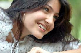 Anushka Sharma Hairstyle