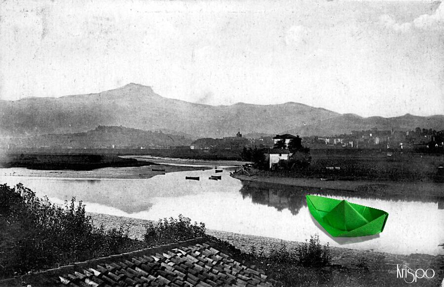 fotografia antigua de hondarribia con barco