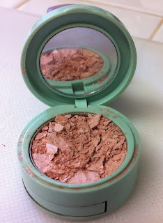 How to fix broken powder makeup www.thebrighterwriter.blogspot.com