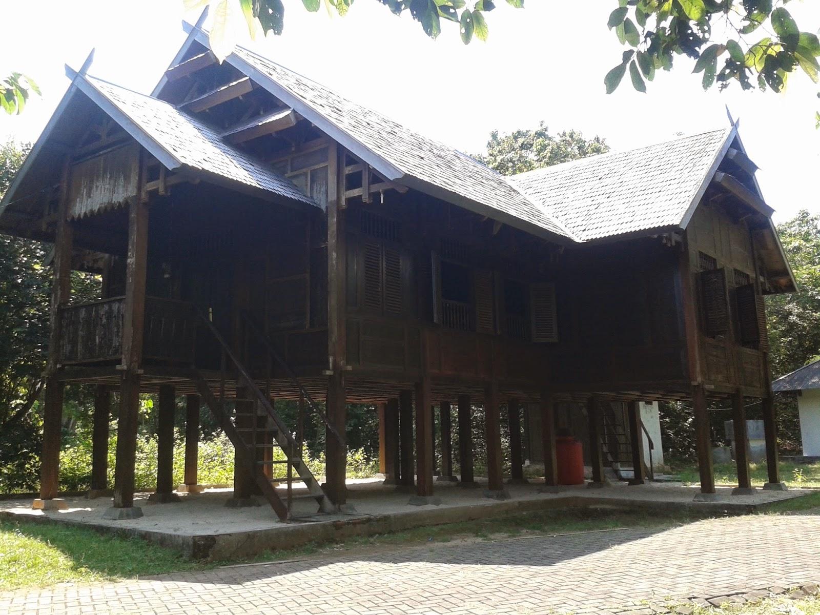 Rumah adat Bugis & Jawa di Kemujan, Karimunjawa