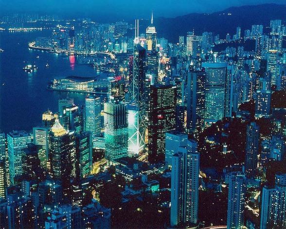 http://4.bp.blogspot.com/-L9qP9pCUNzg/UiLYKTWdy9I/AAAAAAAAEAw/R6xD6zt2vHg/s1600/Tempat+Wisata+di+Hongkong+The+Peak+yoshiewafa.blogspot.com.jpg