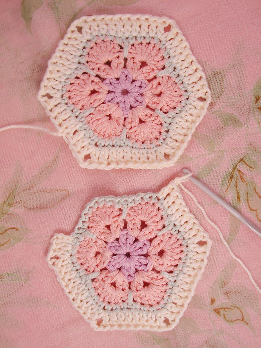 African Flower Crochet Pattern Half : Heidi Bears: African Flower Hexagon Join-as-you-go Tutorial