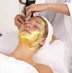 Pelling de Diamante com Máscara de ouro. Tratamento para linhas de expressão e clareamento.