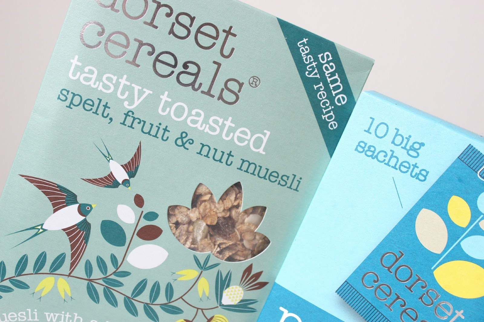 A picture of Dorset Cereals Tasty Toasted Spelt, Fruit & Nut Muesli