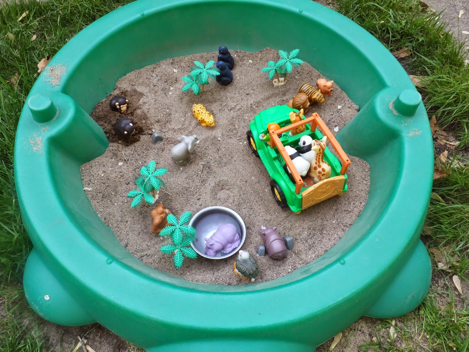 kidspert sensory sandbox safari land