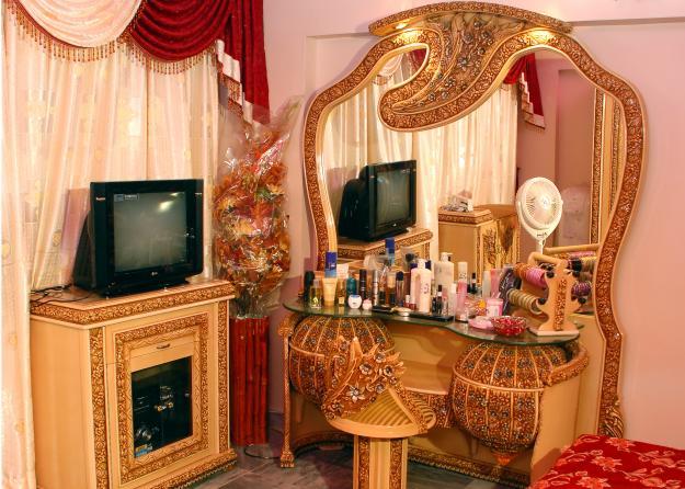 Furniture Design Karachi living room: may 2012