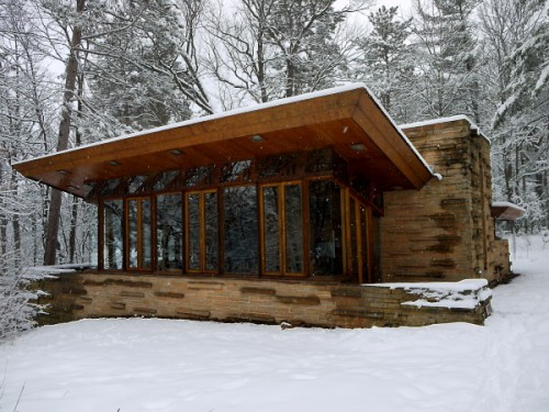 Pleasant living winter 39 s hereee for Frank lloyd wright home designs