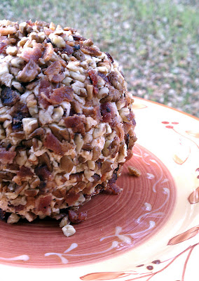 Recipe: Bacon-pecan crusted cheese ball