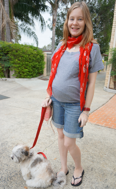 Casual Weekend Outfit Third Trimester MbMJ grey tee jeanswest maternity shorts alexander mcqueen scarf