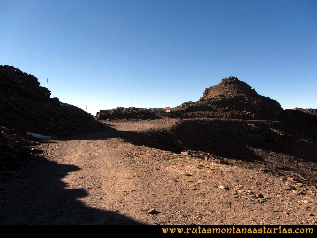Ruta Posiciones del Veleta - Mulhacén: Llegando a la collada del Refugio de Carihuela