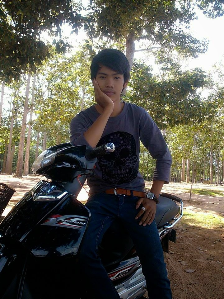 Sweet khmer boy on mobike