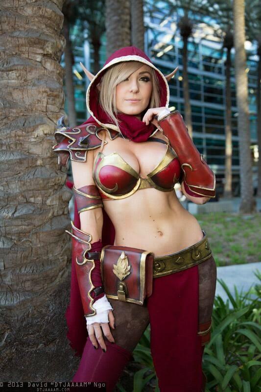 Jessica Nigri cosplays de Elfa WoW