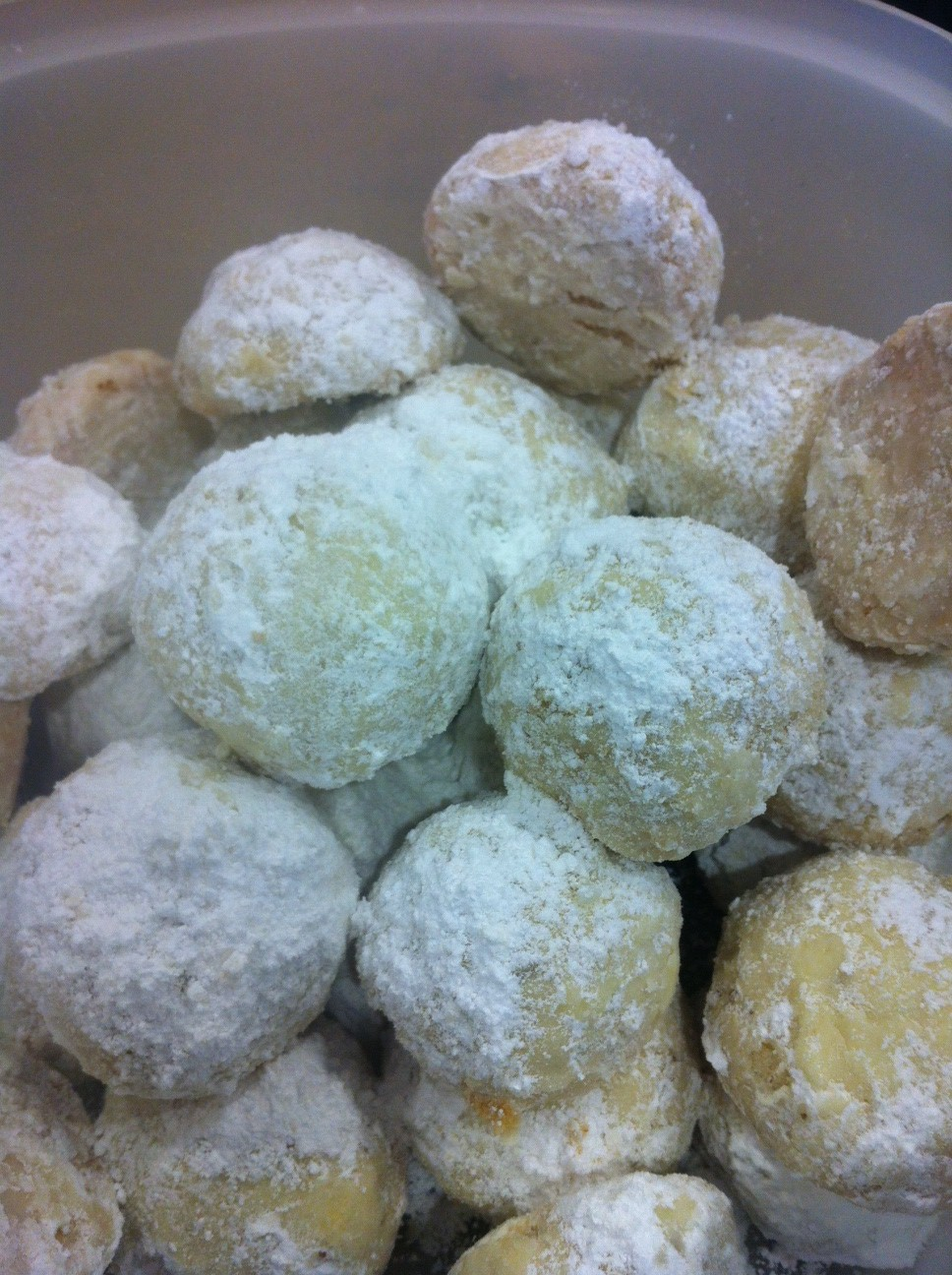 The Family Chef: Gluten-Free Mexican Wedding Cookies
