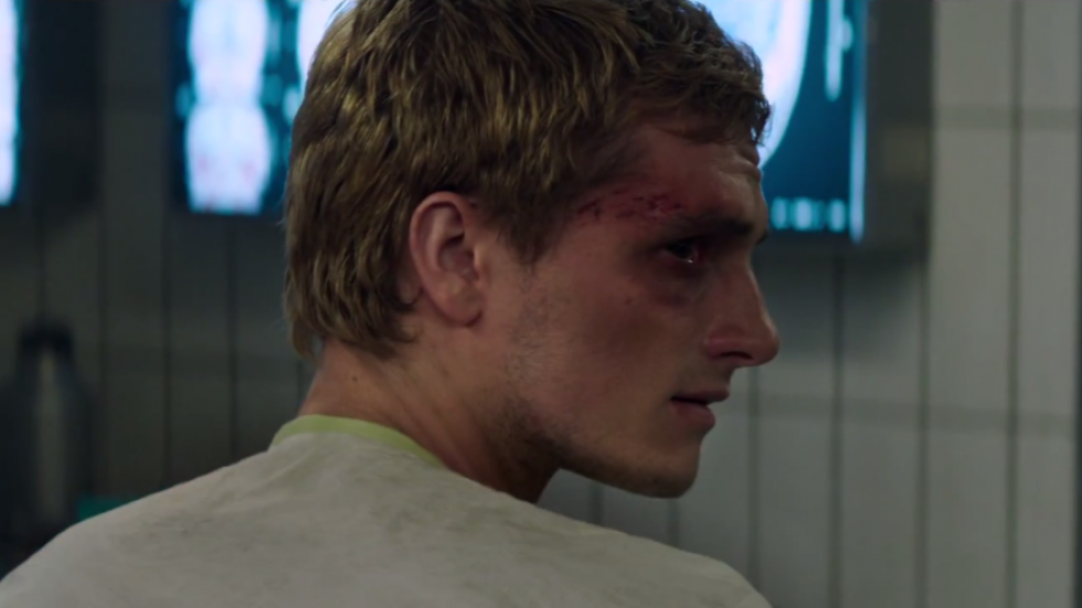 josh hutcherson peeta mellark choking scene mockingjay part 1
