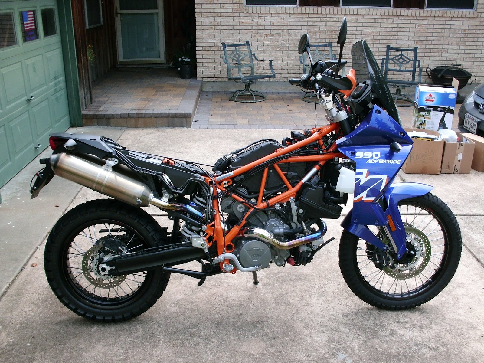 The End Of World At Bikes Ktm 990 Fuse Box I Ended Up Splitting Rostra Control In Two Putting Circuit Board A Made Behind Headlight And