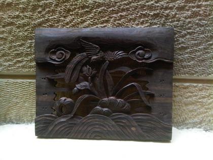 ukiran kayu motif tumbuhan dan hewan bahan kayu trembesi dengan ukuran