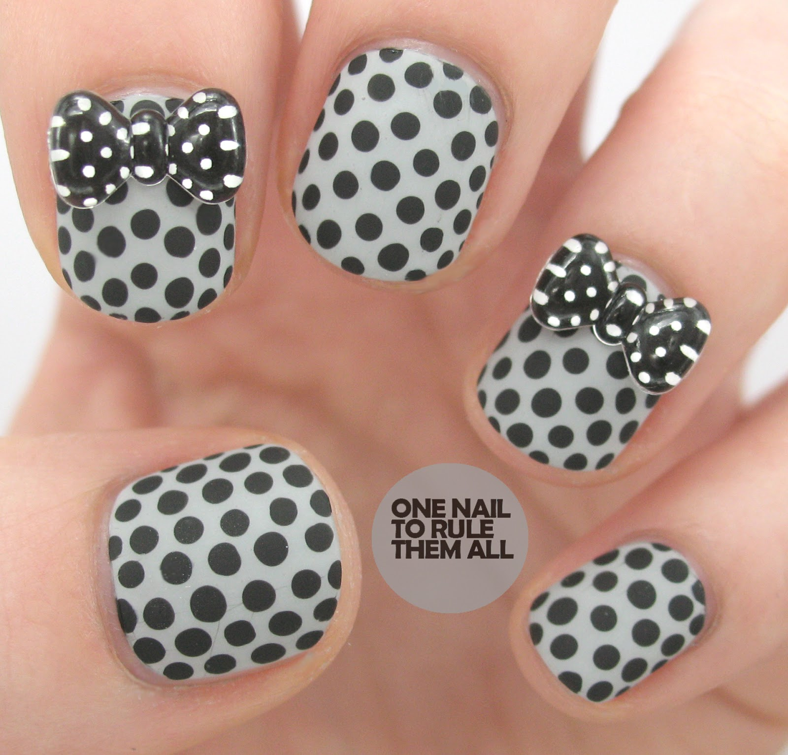 One Nail To Rule Them All: Spotty bow \'rhinestones\' review
