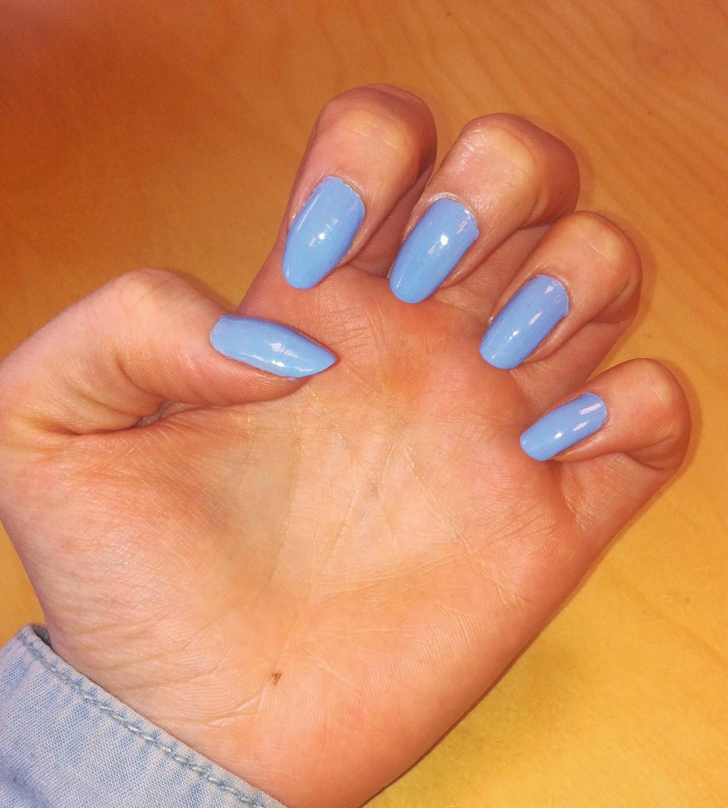 vernis essie bleu