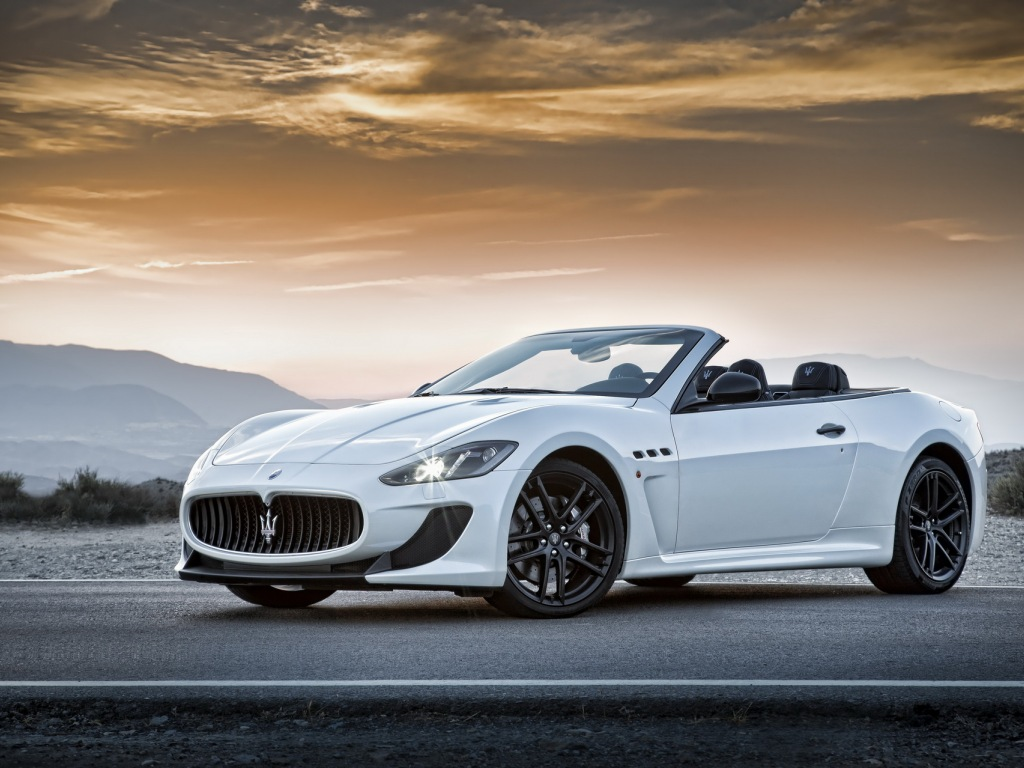 2013 maserati grancabrio mc review price and pictures car release date. Black Bedroom Furniture Sets. Home Design Ideas