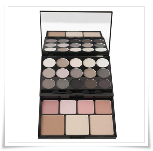 the geeky girl nyx butt naked eyes makeup palette. Black Bedroom Furniture Sets. Home Design Ideas