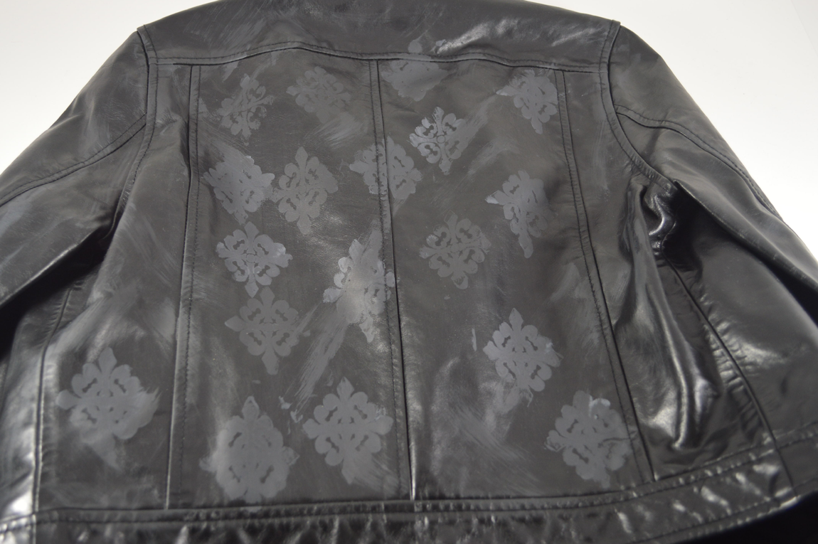 Leather jacket diy - When You Re Finished You Can Take The Semi Dry Brush And Sporadically Take It Across The Jacket Purposely Smearing The Pattern Before It Dries