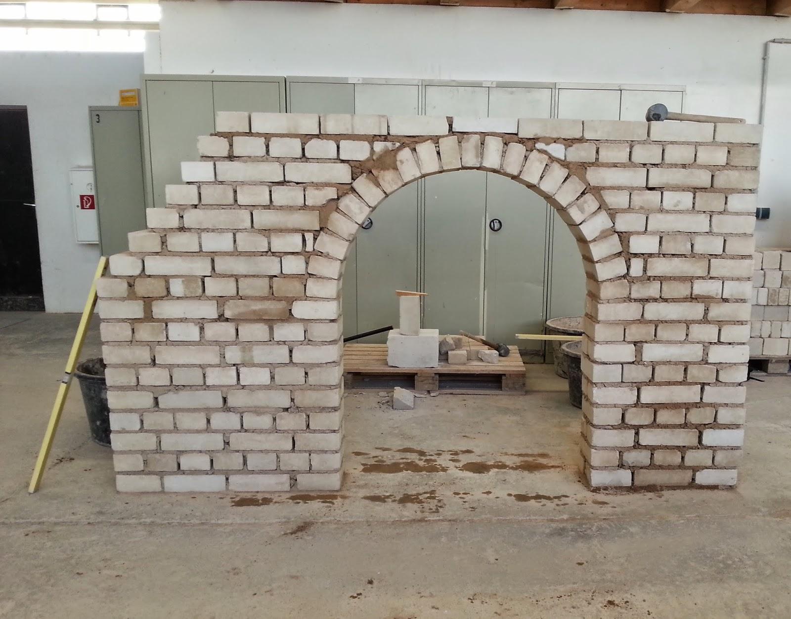 bvj 2013 2014 hier gehts richtig los stein auf stein im mauerwerksbau. Black Bedroom Furniture Sets. Home Design Ideas