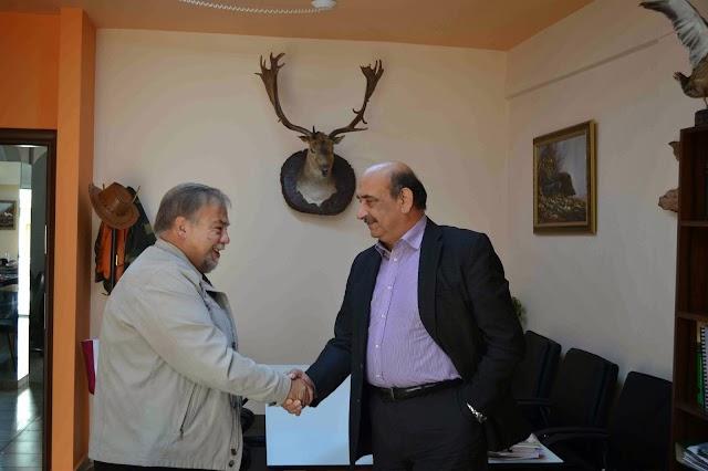 Ο Βουλευτής Αχαΐας κος Αθανάσιος Νταβλούρος στα γραφεία της Κυνηγετικής Ομοσπονδίας Πελοποννήσου
