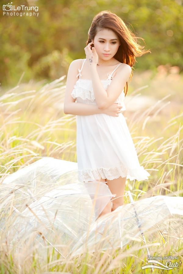 Hình ảnh đẹp thiếu nữ Joanna sexy mùa thu