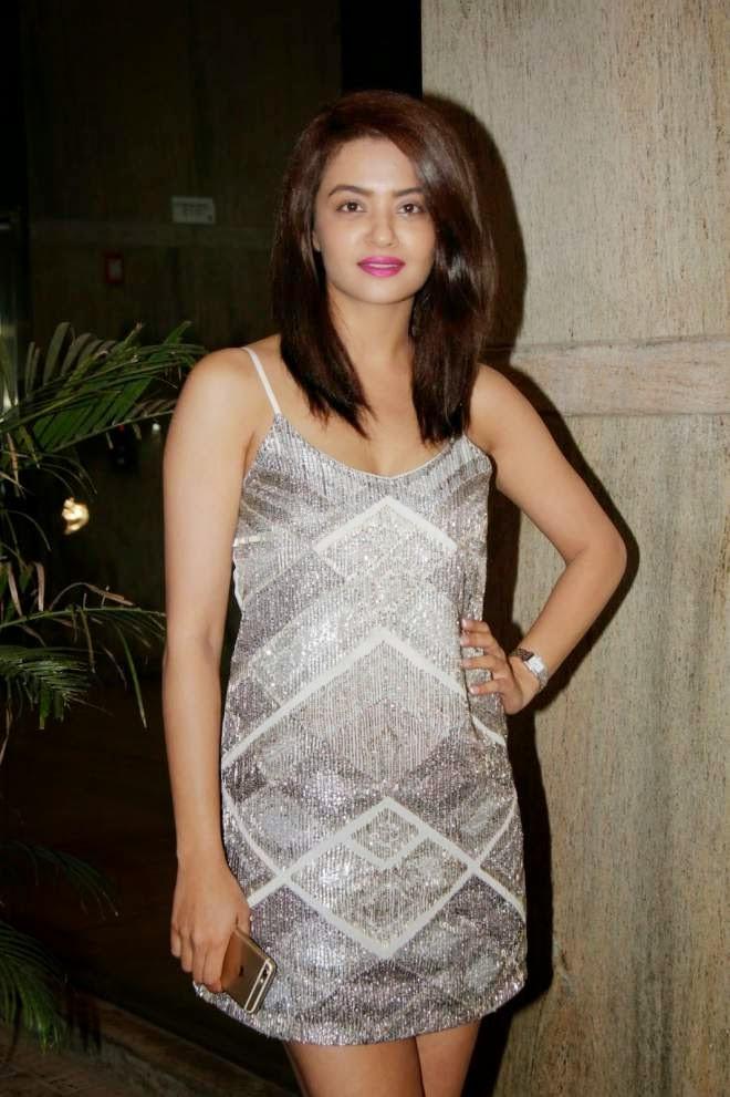 Surveen Chawla Hot Thigh Short Mini Dress Photos
