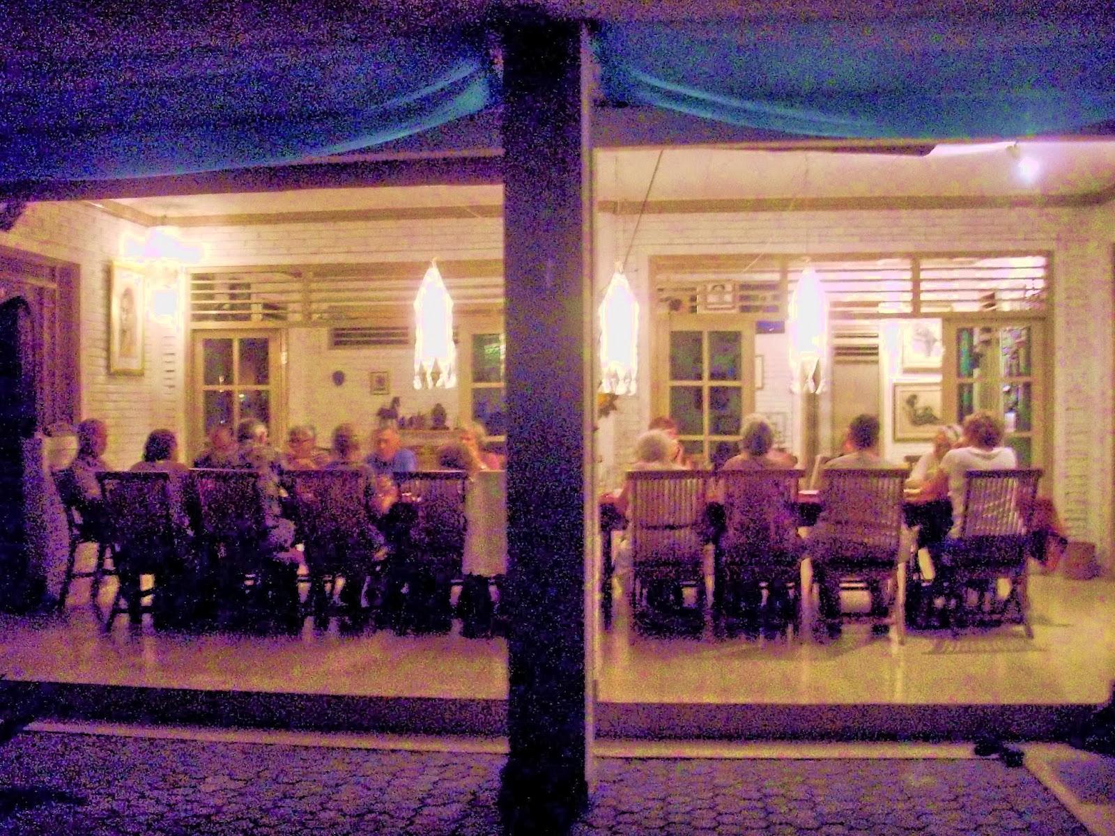 Nederlands schilder co bali: kunstlezing en diner op mijn terras thuis.