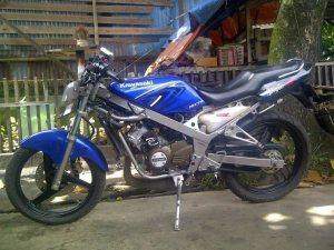 contoh modifikasi motor ninja r warna biru