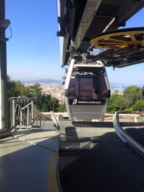 preppy blogger travel barcelona montjuic cable car