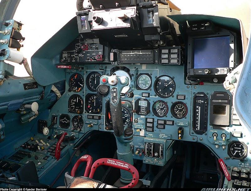 Su-27+Cockpit+%25284%2529.jpg