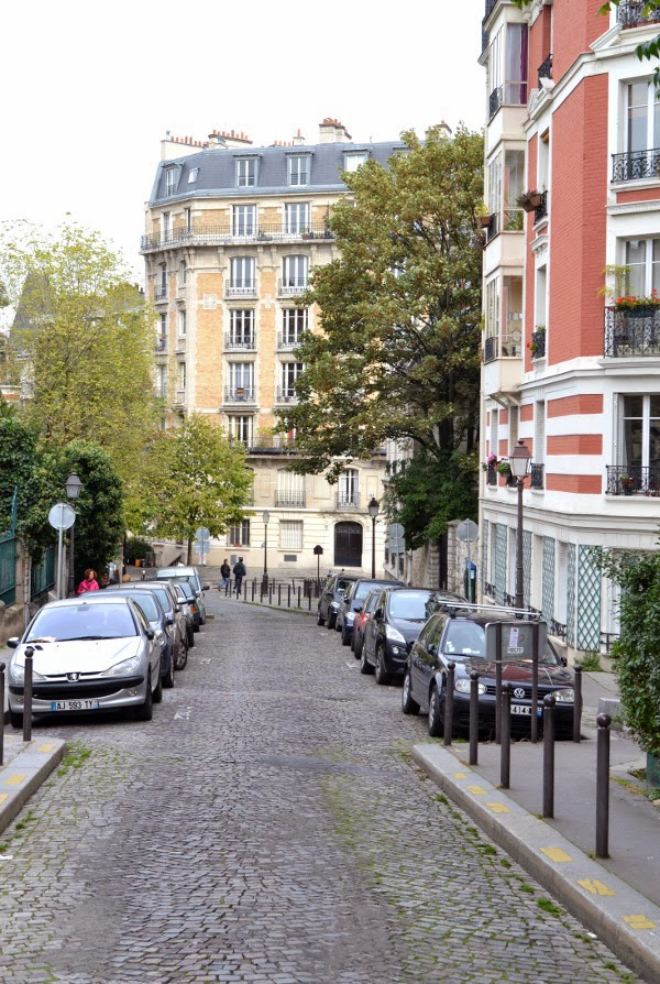 Art Et Glam La Rue Girardon Paris 18e Se Promener Dans