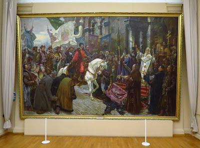 Фрагмент экспозиции в НХМУ