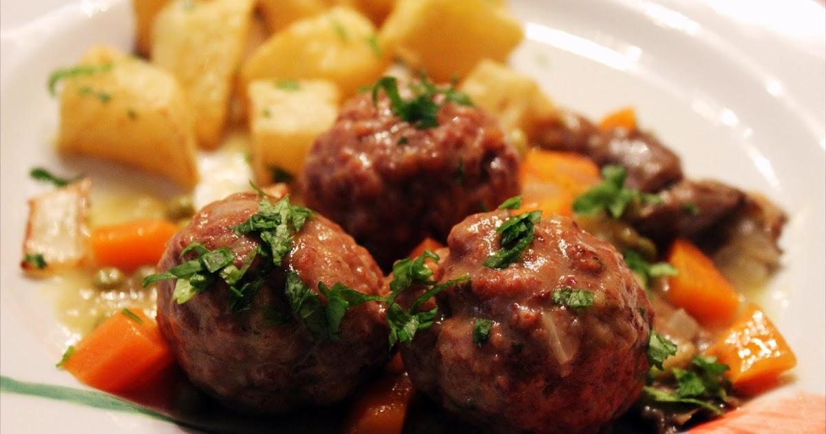 Alb ndigas con verduritas con un par de guindillas gastronom a viajes salud y nutrici n - Albondigas tradicionales ...