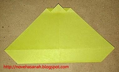 cara melipat kertas origami menjadi bentuk ayam yang sangat mudah sehingga cocok untuk anak TK atau anak SD langkah 10
