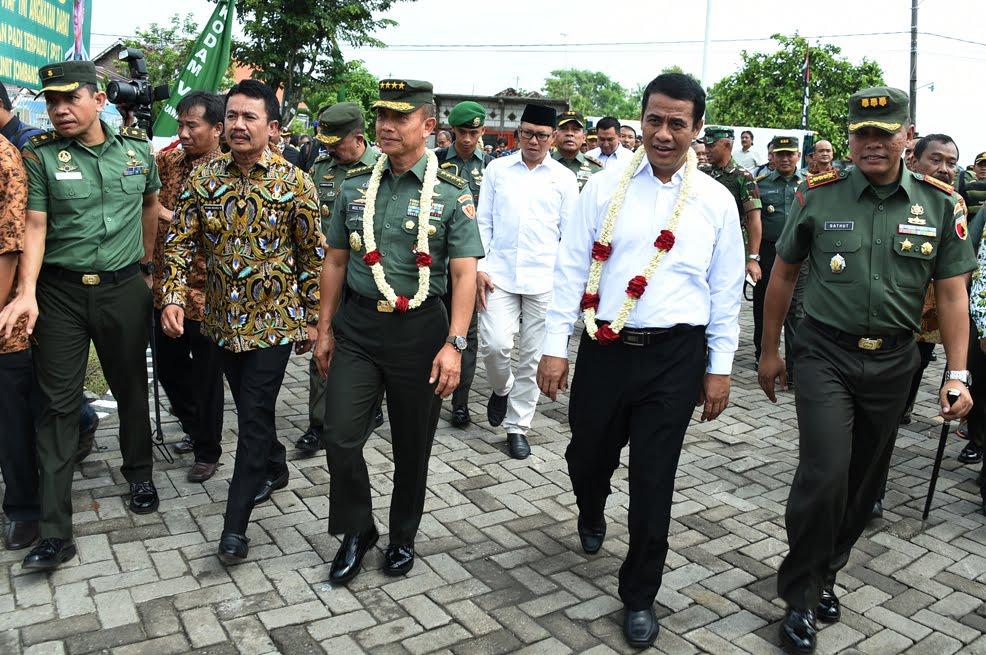 TNI Peduli, Mentan RI Bersama Kasad Resmikan SP3T di Jawa Timur