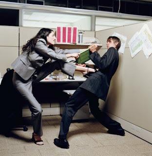 Правила этикета на работе или как избежать офисных войн