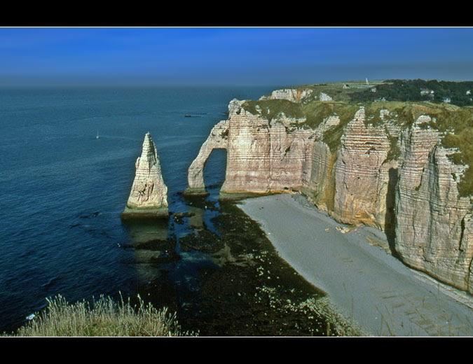 Cotes normandes c te d 39 albatre etretat l 39 arche et l 39 aiguille voyage au bout de la gourmandise - Au bout de l aiguille ...