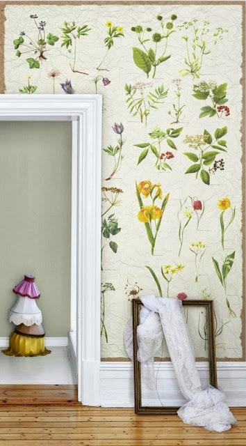 nostalgic, vintage botanical floral print wallpaper