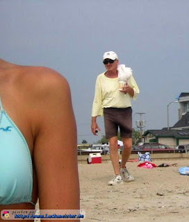 funny pics: grandpa with big d*ck on the beach