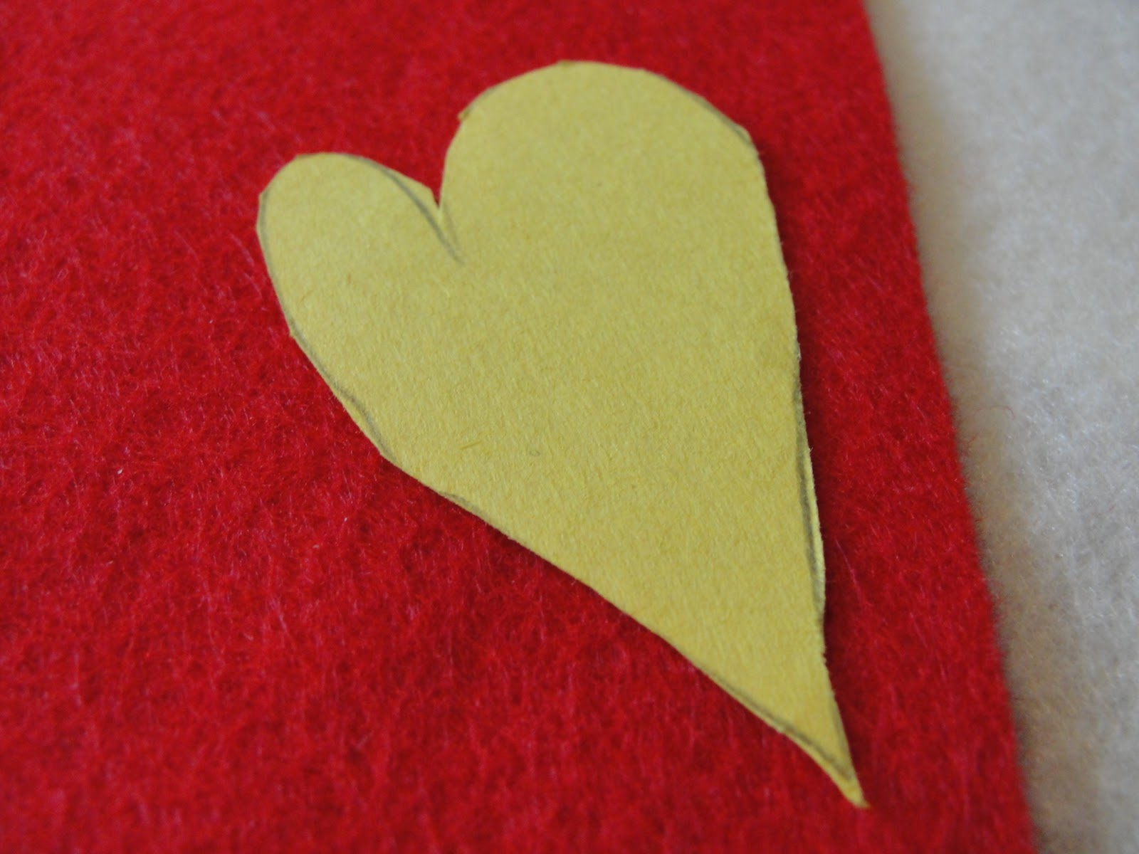 how to cut small paper hearts